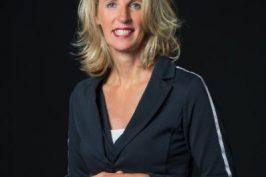 Evelyne Middleton-Kuenen, Salesmanager bij Van Aetsveld